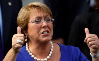 Bachelet fue evacuada desde Arica tras replica de 7,4 grados