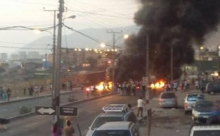 Terremoto en Chile: Iquique protesta por falta de ayuda