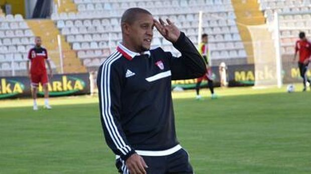 Equipo de Roberto Carlos derrotó 2-1 al Galatasaray