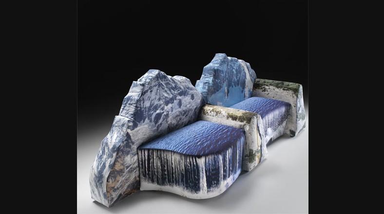 Sofá montaña. Exhibida en el Milan Design Week en 2009, Montanara es una pieza muy creativa de Gaetano Pesce. El sofá crea la ilusión tener una montaña justo en medio de la sala, la cual incluye cojines de cascadas. (Foto: gearfuse.com)