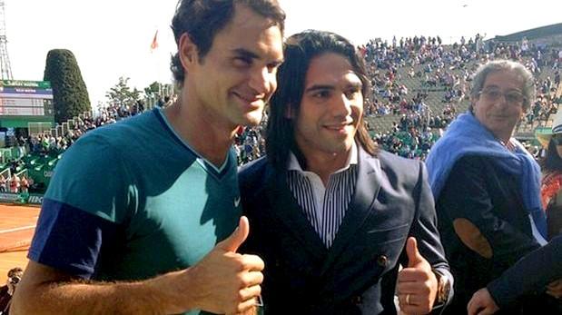 Dos 'monstruos' juntos: Falcao compartió foto junto a Federer
