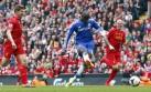 Chelsea venció 2-0 al Liverpool y le respira en la nuca