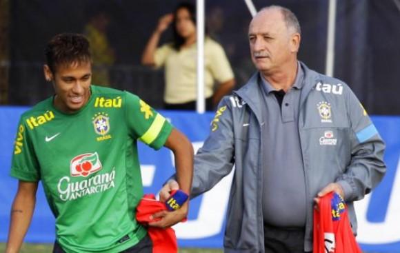 Scolari pide ayuda a hinchas para armar la selección brasileña
