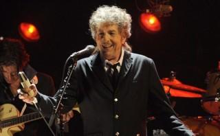 Bob Dylan sorprende a fans con este tema de Frank Sinatra