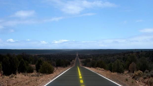 Pista brillante: Crean sistema de 'carreteras solares' en EE.UU