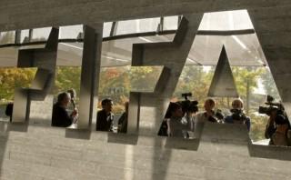 La FIFA a sus 110 años, el monstruo que hace rodar la bola