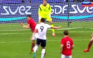 Giroud y un golazo de volea que busca convencer a Deschamps