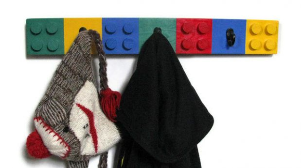 DIY: Aprende a hacer un colgador para niños con forma de Lego