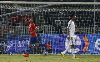 Chile remontó a Egipto y venció 3-2 con doblete de Vargas