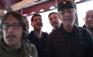 Italianos cantan su himno nombrando a sus 23 mundialistas
