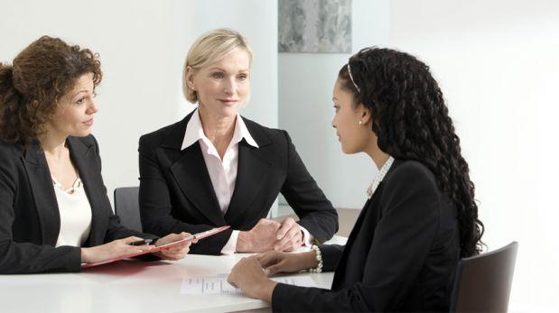 Cuida tu voz y no solo tus palabras en una entrevista laboral