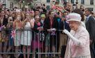 Reina Isabel II se despidió de Francia con un paseo por París