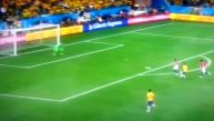 Golazo de Oscar sentenció la victoria brasileña ante Croacia
