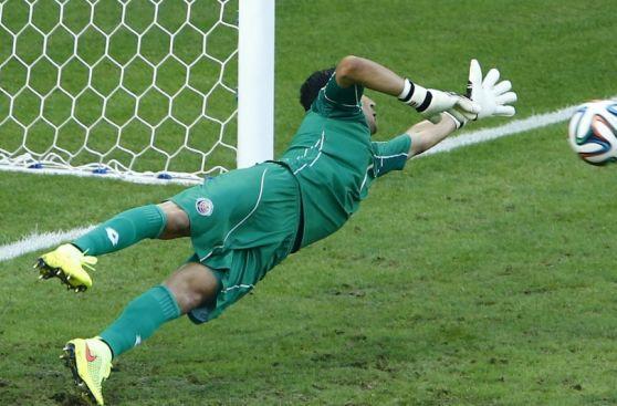 Uruguay vs. Costa Rica: la secuencia del gol de penal de Cavani