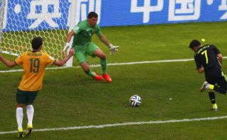David Villa anotó un golazo en su despedida de la 'Roja'