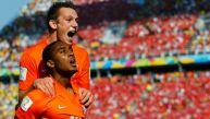 Holanda ganó 2-0 a Chile y es líder del grupo B