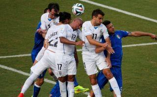 Godín le dio la clasificación a Uruguay con gol de hombro