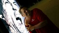 Hinchas suplican que no retiren panel con foto de Luis Suárez