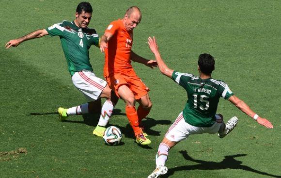 Holanda vs. México: el claro penal que no le cobraron a Robben