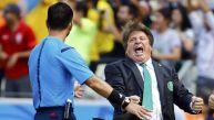 Así celebró el gol de Gio el técnico de México, Miguel Herrera