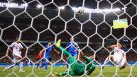 Costa Rica vs. Grecia: Sokratis forzó el alargue con este gol