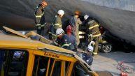 Mueren al menos 2 personas al desplomarse puente en Brasil