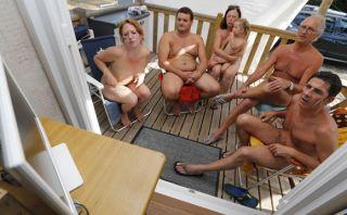 Familia alemana se desnudó para ver el partido de su selección