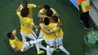 ¡Plop! Neymar se cayó al celebrar gol de Brasil a Colombia