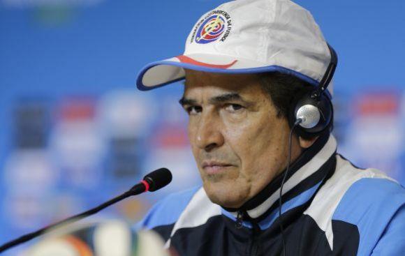 """Pinto: """"Lo que más me preocupa son los piscinazos de Robben"""""""