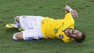 Neymar quedó fuera del Mundial por fractura de vértebra lumbar