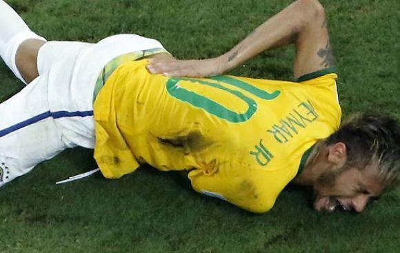 Neymar no sentía sus piernas tras rodillazo, reveló Scolari