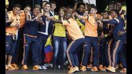 El baile de los jugadores colombianos en Bogotá en imágenes