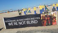 Brasil 2014: Singular protesta contra el Mundial en Copacabana