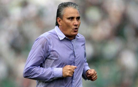 Ya se habla del sucesor de Scolari luego de humillante goleada