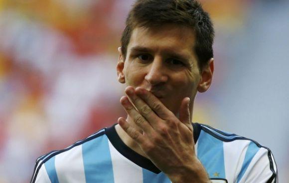 Argentina llevaría brazalete negro por muerte de Di Stéfano