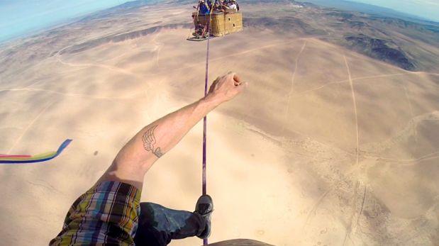 VIDEO: Así caminan la 'cuerda floja' entre globos aerostáticos