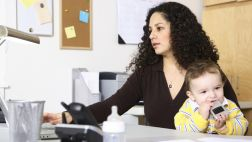 Día de la Madre: Prácticas empresariales que más las benefician