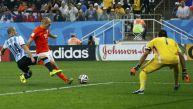 Holanda vs. Argentina: Mascherano evitó así gol de Robben