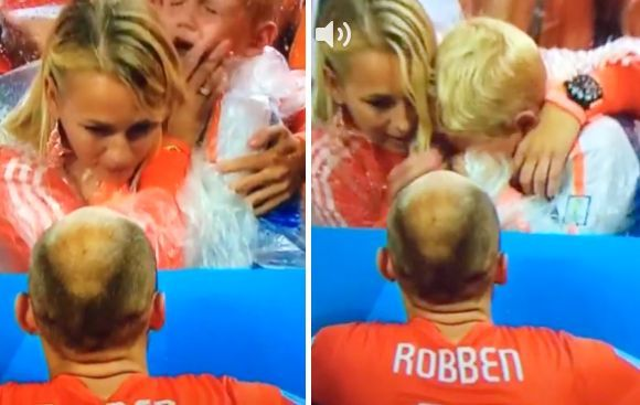 El llanto desconsolado del hijo de Arjen Robben en tribuna