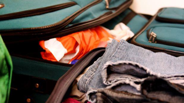 Las mujeres le hacen la maleta a sus parejas según encuesta