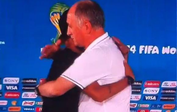 ¿Neymar interrumpió conferencia de Scolari para decirle adiós?