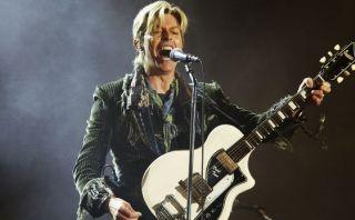 """David Bowie anuncia a sus fans que habrá más música """"pronto"""""""
