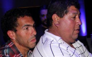 Secuestran al padre de Carlos Tévez y piden millonario rescate