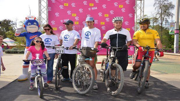 Realizan bicicleteada por los derechos de las niñas