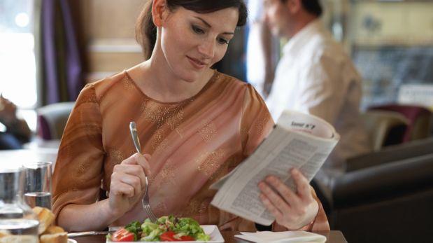 Consejos prácticos para comer 'bien' en la oficina
