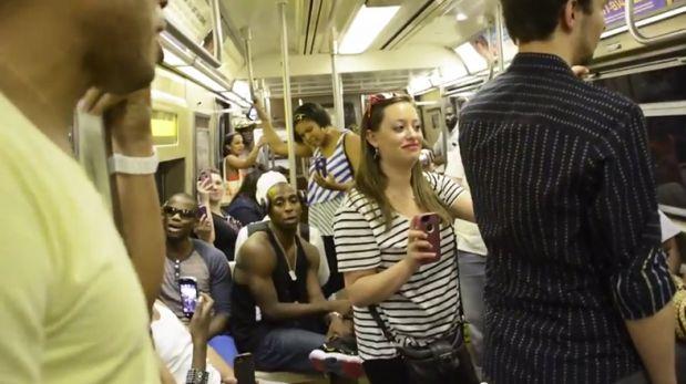 [Video] Elenco de Broadway sorprende a pasajeros en Nueva York