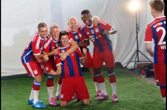Bayern Múnich presentó a su plantel oficial para esta temporada