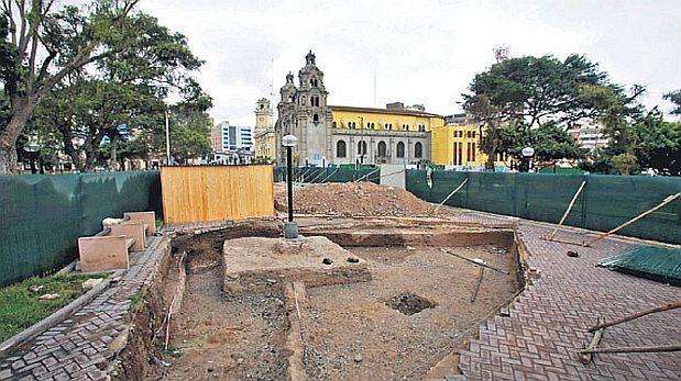 Parqueo subterráneo de Miraflores lleva año y medio de atraso