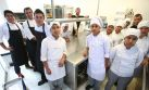 Jóvenes cocineros de Pachacútec cocinan con los Roca