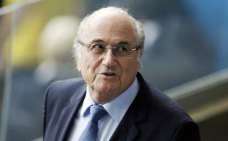 Blatter respalda a Rusia y rechaza cambios en el Mundial 2018